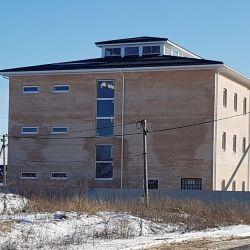Новое 3-х этажное кирпичное здание пл.1362 кв.м 1