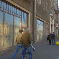 Под клуб, ресторан, магазин большое помещение в центре, есть газ. Возможна разбивка на двух арендато 1