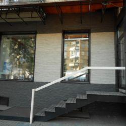 Продам магазин в центре города 2
