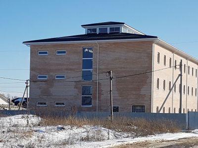 Новое 3-х этажное кирпичное здание пл.1362 кв.м