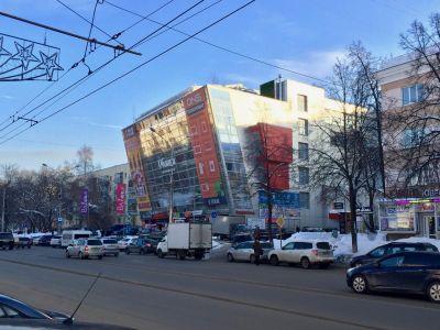 Торговая площадь на 1 этаже торгового центра в центре г. Пермь