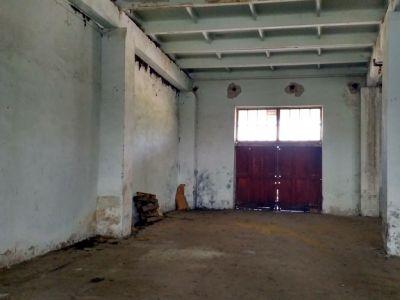 Прирельсовая  складская база