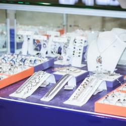 SKAZKA Natali Romanovoi. Франшиза магазинов изделий из серебра с драгоценными и полудрагоценными кам