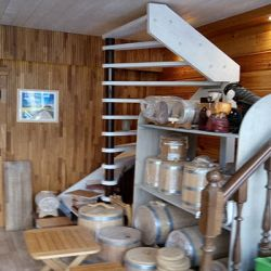 Оптовый магазин комплектующих для лестниц 2