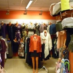 Магазин Женская одежда Канцтовары Игрушки 4