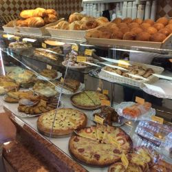 Пекарня-кафе рядом с метро