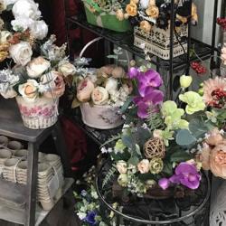 Цветочный бутик в месте с большим пешеходным трафиком 1