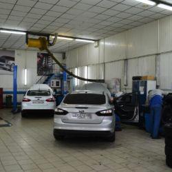 Автосалон официального дилера «Ford» 2
