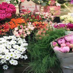 Цветочный магазин вблизи метро Тёплый Стан 2