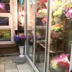 Цветочный бутик в месте с большим пешеходным трафиком 3