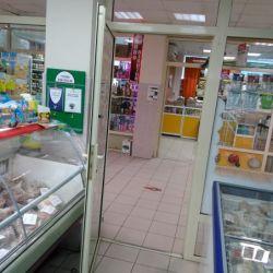Продуктовый магазин с продавцами 2
