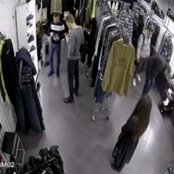 Магазин брендовой одежды. Прибыль 900 тыс 1