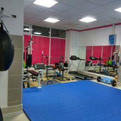 Продам студию фитнеса в отличном районе  1