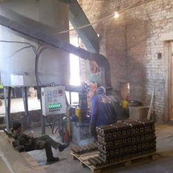 Производство топливных брикетов типа Пини-Кей 4