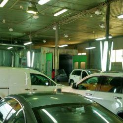 Рабочий молярно-кузовной центр 4