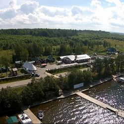 Туристический комплекс на берегу Онежского озера
