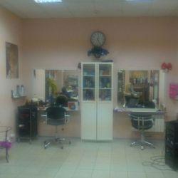 Продуктовый магазин+ парикмахерский салон 3