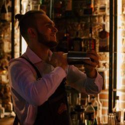 Продаю прибыльный бизнес бар-ресторан «liquor» 11