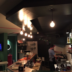 Готовый популярный бар в новом жилом массиве