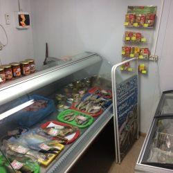 Магазин морепродуктов, проходное и проездное место 1