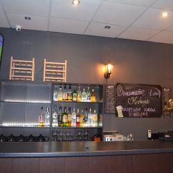 кафе-бар, продуктовый магазин 9