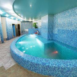Действующая сауна 2 зала с бассейном