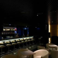 бар в центре города 4