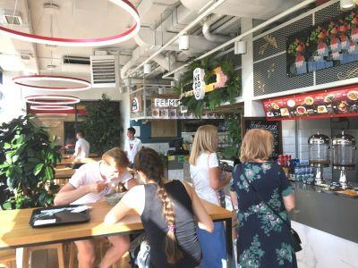 Ресторан рядом с метро, пассажиропоток 7000 чел.