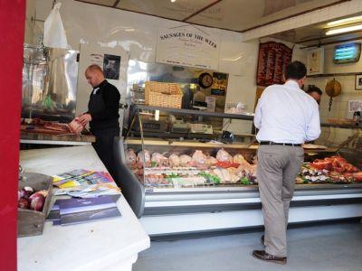 Магазин мясной продукции в Солнечном