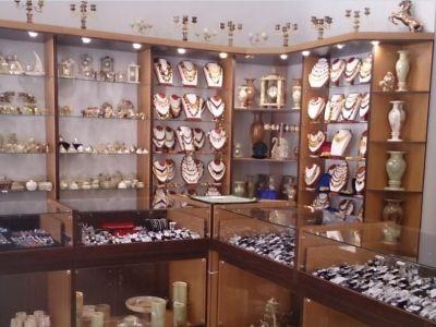 бизнес торговля изделиями из серебра и камня