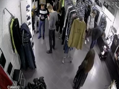 Магазин брендовой одежды. Прибыль 900 тыс