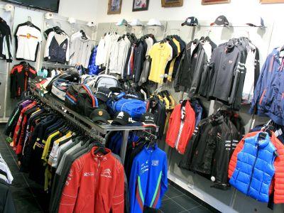 Продажа магазина одежды и аксессуаров