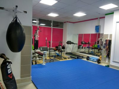 Продам студию фитнеса в отличном районе
