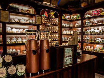 Магазин чая и кофе с высокой проходимостью