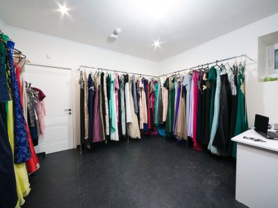 Салон проката платьев и бизнес продажи фотосессий