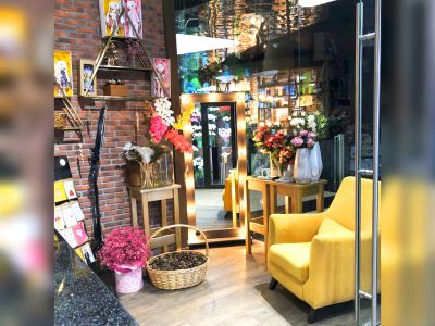Цветочный бутик в проходном месте