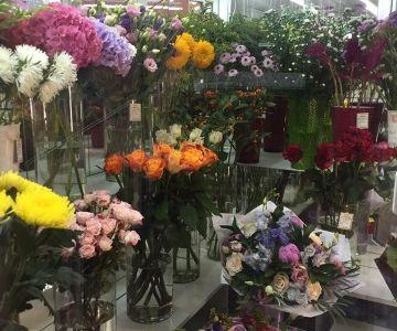 Салон цветов. 8 лет в одних руках